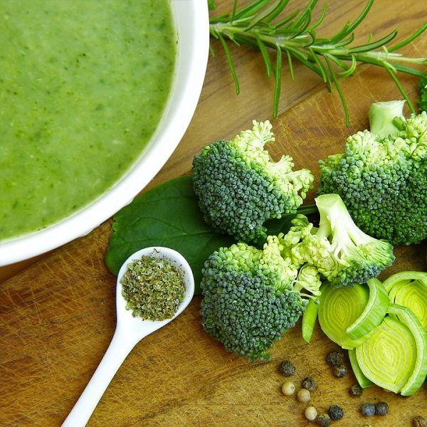 Hot vegetable soup made using Vitamix 5200 Blender