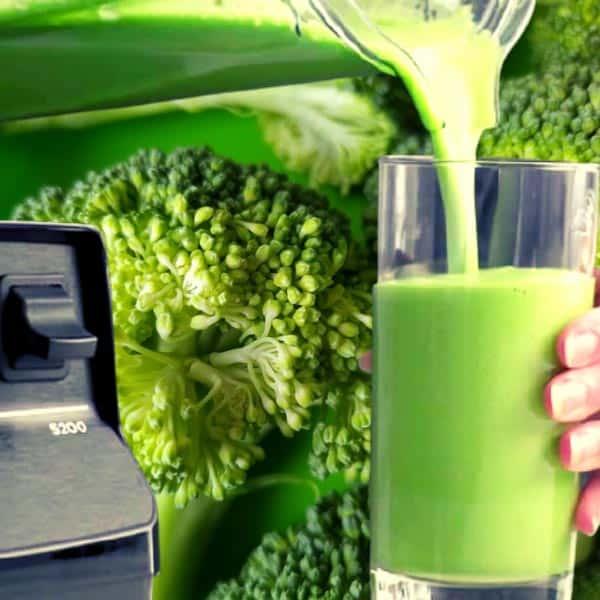 Green vegetable smoothie blended using the Vitamix 5200 blender
